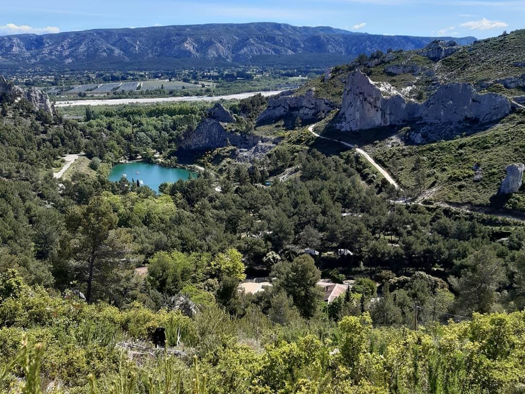 franse-camping Camping La Vallée Heureuse Orgon