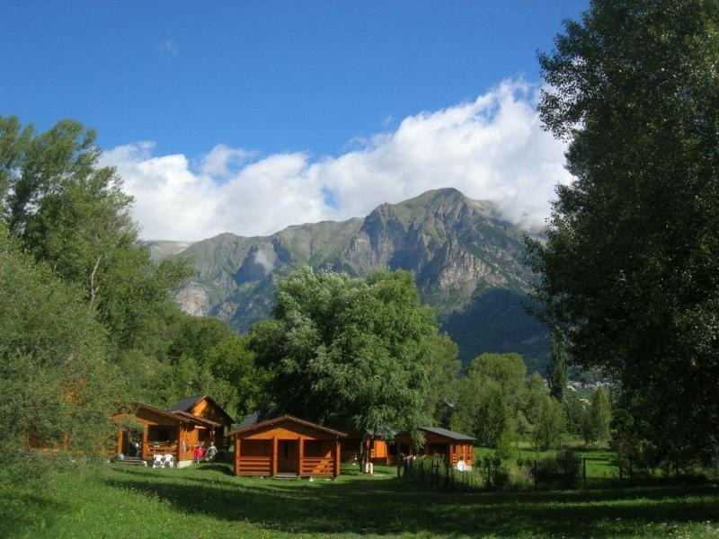 franse-camping Camping LES CARIAMAS Châteauroux-les-Alpes