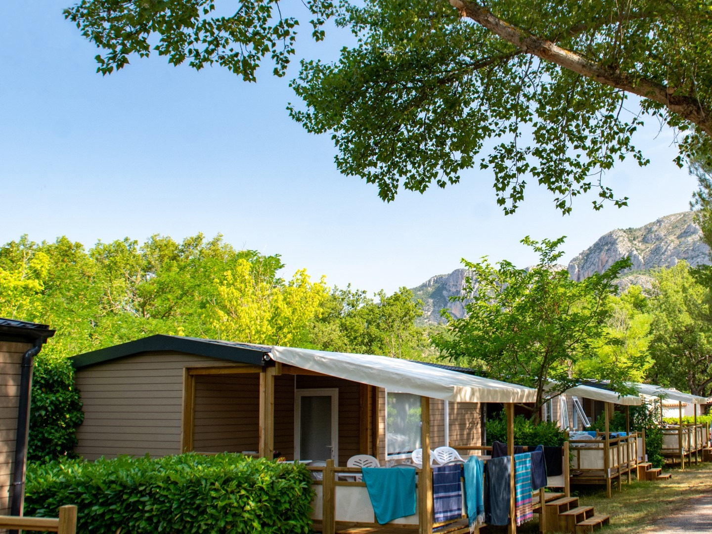 franse-camping Camping Saint Clair Moustiers Sainte Marie
