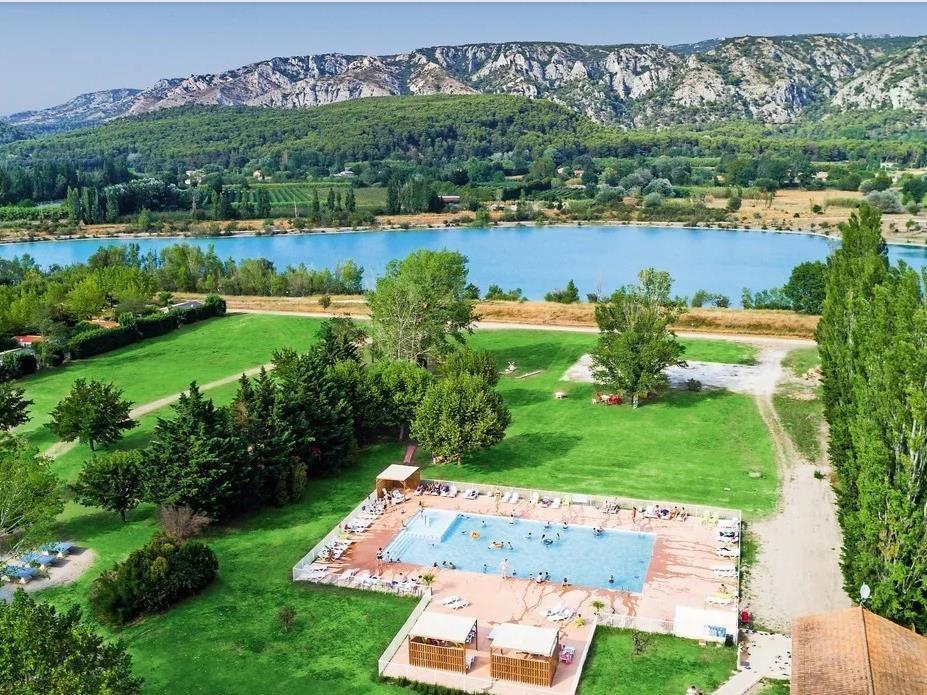 campsite Homair - Camping Les Rives du Luberon CHEVAL BLANC