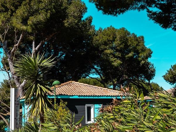 campsite Camping L'Hippocampe - Les Chalets de la Mer Martigues